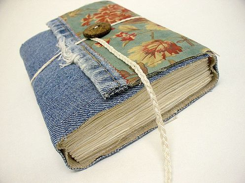 denim notebook cover and a bunch of other great ideas of things to do with old jeans/denim!
