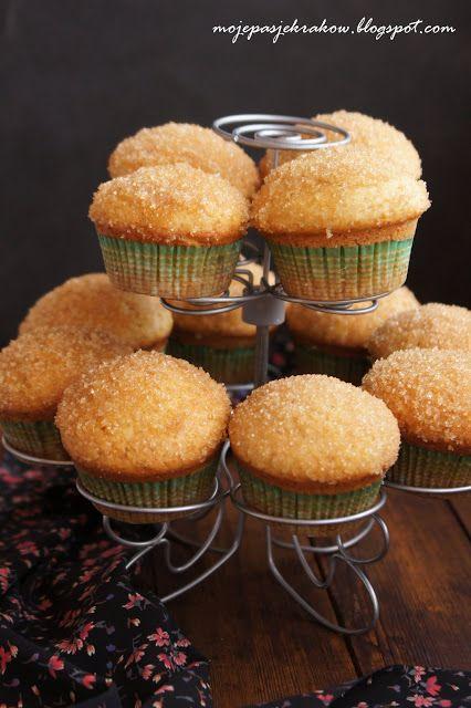 moje pasje: Muffinki pączkowe z konfiturą z dzikiej róży