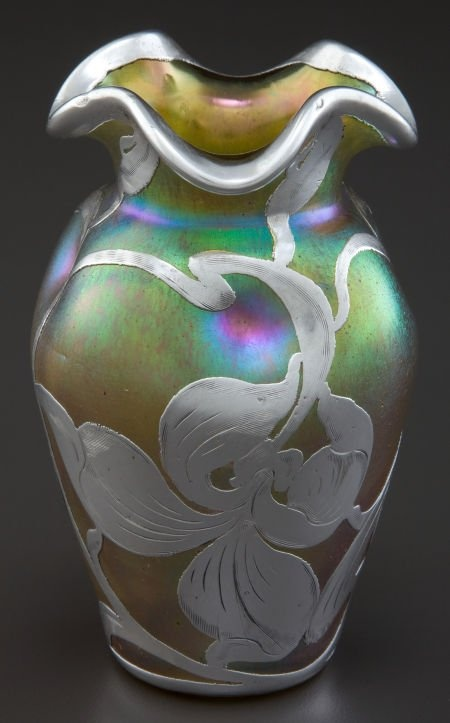 A LOETZ GLASS VASE WITH LA PIERRE SILVER OVERLAY: Glass Art, Silver Vases, New Vessels, Art Glass Glass, Beautiful Glasswork, Overlay Glassworks