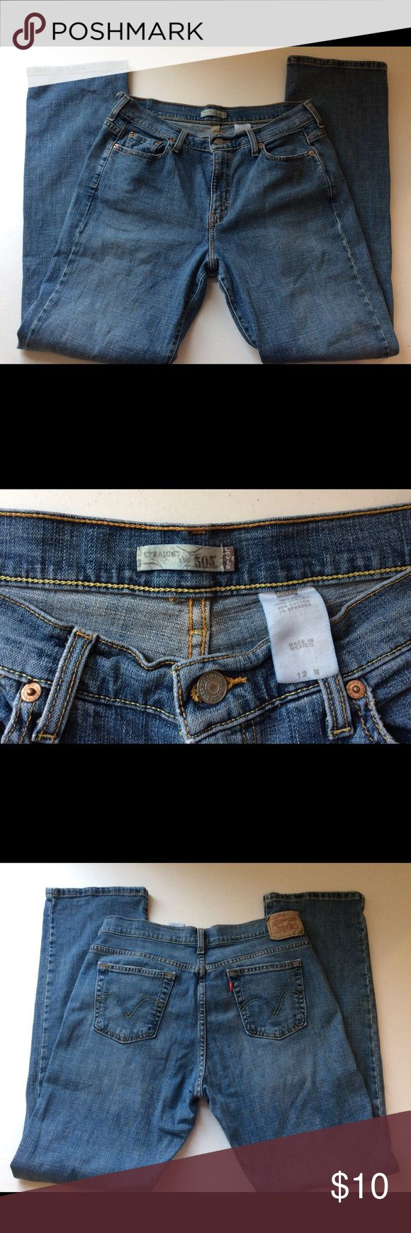 Levi's 505 Women's Straight Jeans Size 12m Levi's 505 Women's Straight Jeans Size 12m  Excellent Condition!                                     Size: 12m Inseam 32                There are no stains or holes in item.  The zipper works excellent and all buttons are secure.  Smoke-free and Pet-free home. Levi's Jeans Straight Leg