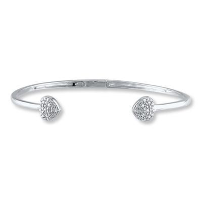 Stand out as a trendsetter with this open-ended diamond heart bangle!