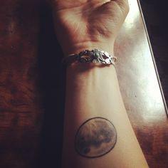 I want a moon tattoo so bad