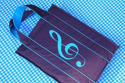 Mme zsazsa: printpapier om letters op stof te schilderen, om te appliqueren, stof fijn te kunnen uitsnijden, op stof te printen,...