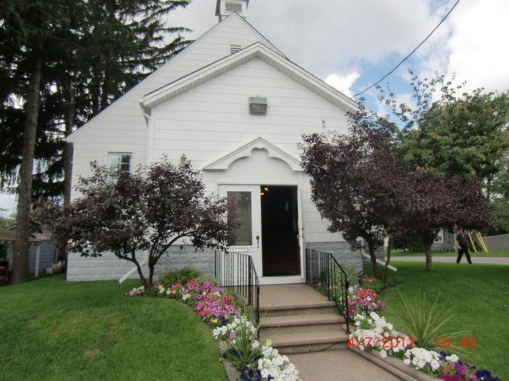 The little white Chapel.