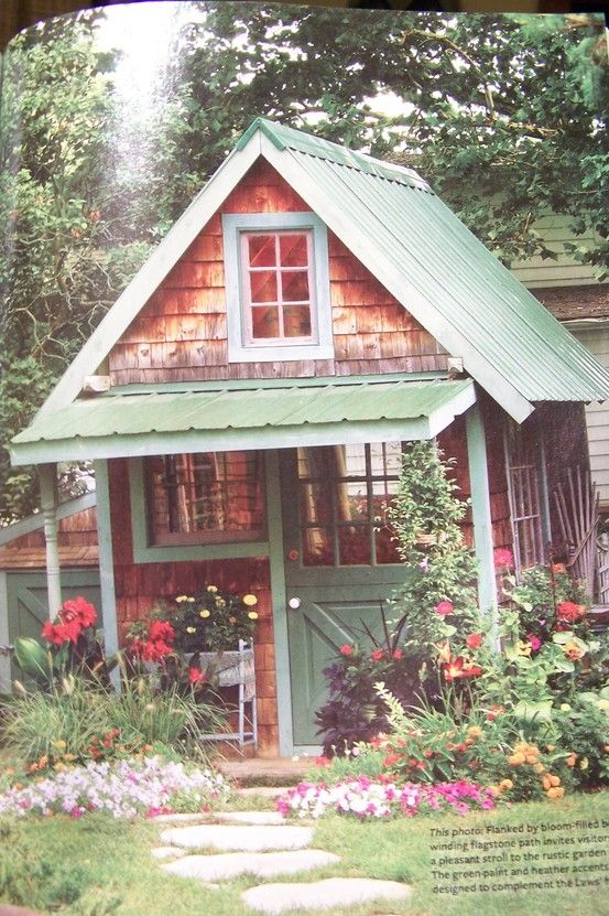 1000 images about unique small cabins and guest houses on for Shed roof cottage