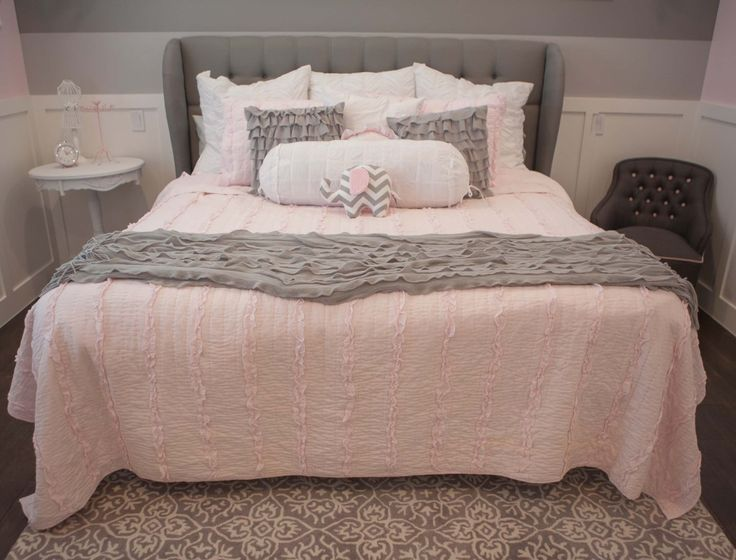 Pink And Gray Girls Bedroom Www Elliebeandesign Com