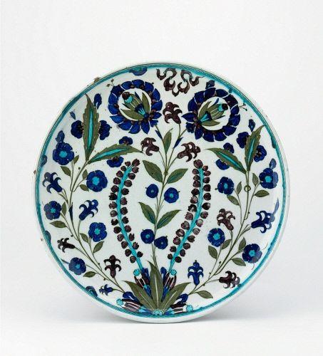 Period / culture: Islamic Production place: Iznik Production date: 16thC School / style: Iznik, Damascus Style