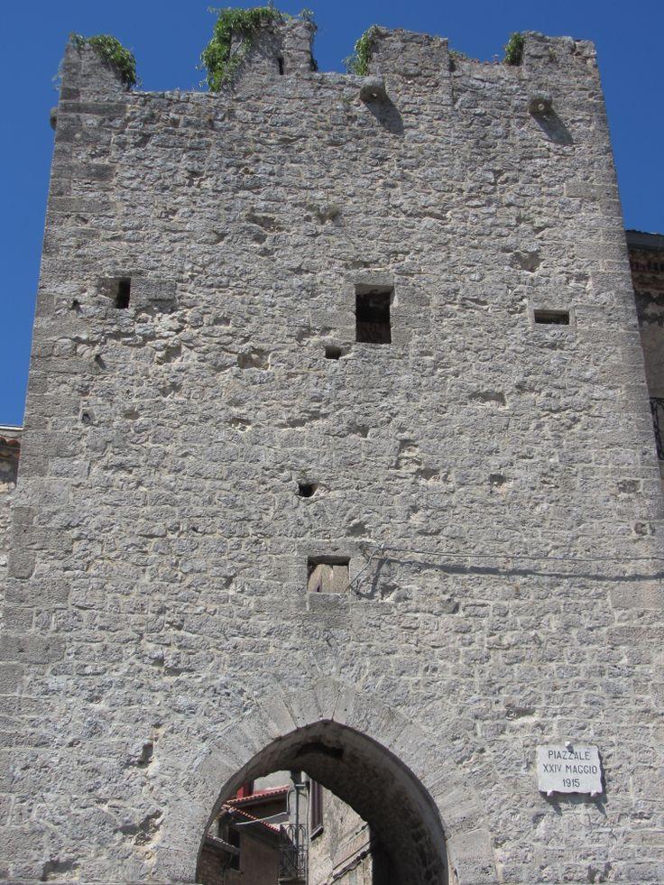 Vico nel Lazio, Porta a Monte - foto di RomeSnowShower