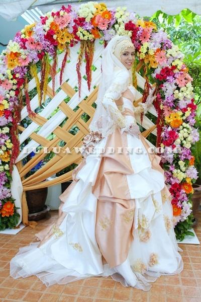 Islamic wedding dress, beautiful.