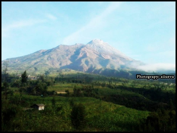 Mountain Perbabu, Magelang-Indonesia | Photographed by (aiiueva)