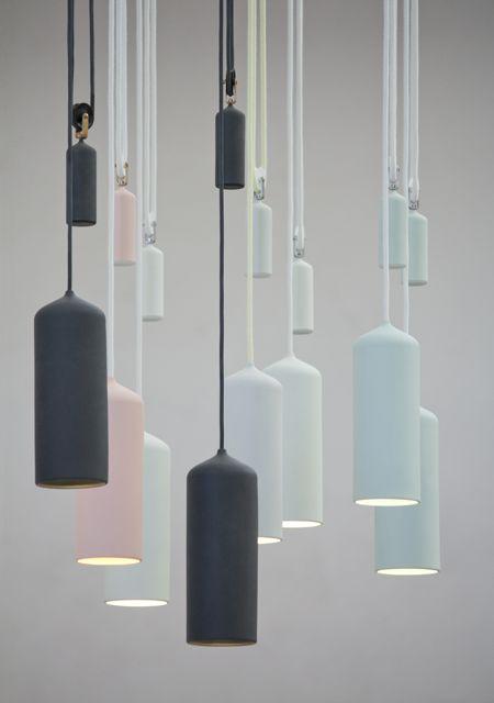 Porcelain Lamp with counterweights by Studio WM.  Studio WM is een geronomeerd designbureau uit Nederland. Deze lamp is geinspireerd op de scheepvaart van Rotterdam. Wat ik erg mooi vind aan dit ontwerp, is dat het geen zware lamp lijkt ook al is deze wel degelijk zwaar. Door de matte finish en pastelkleuren lijkt deze juist erg licht van gewicht.