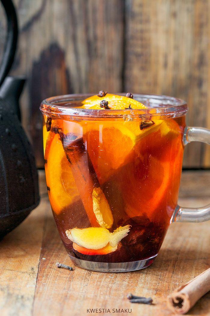 Rozgrzewająca herbata z cynamonem, imbirem i goździkami