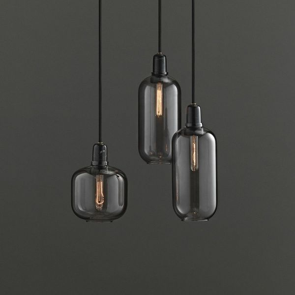Black lighting can add a particularly elegant accent.