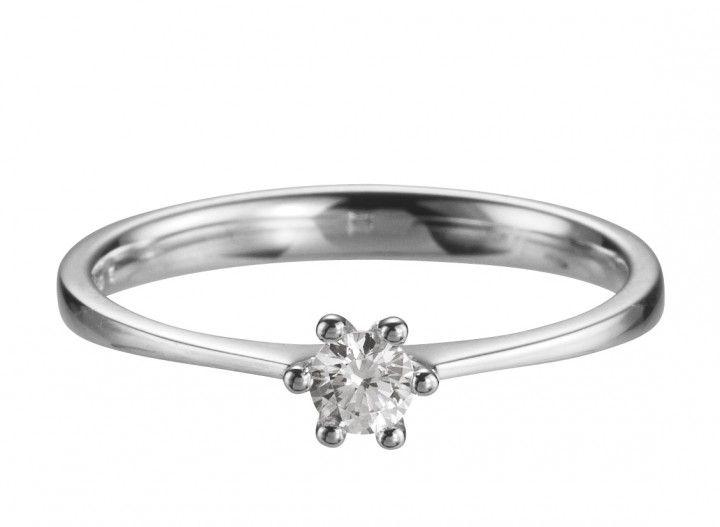 Dieser klassische Verlobungsring hat eine 6 Krappenfassung und einen 0,15 ct. Ist Wahlweise auch in anderen Steingrößen verfügbar. #love #forever #ring #diamond #gold