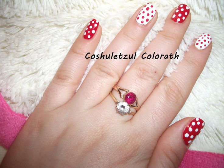 dots, red, white, nails