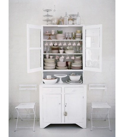 Relaxing order... #cabinet white #glass #china #hutch #kitchen #pantry