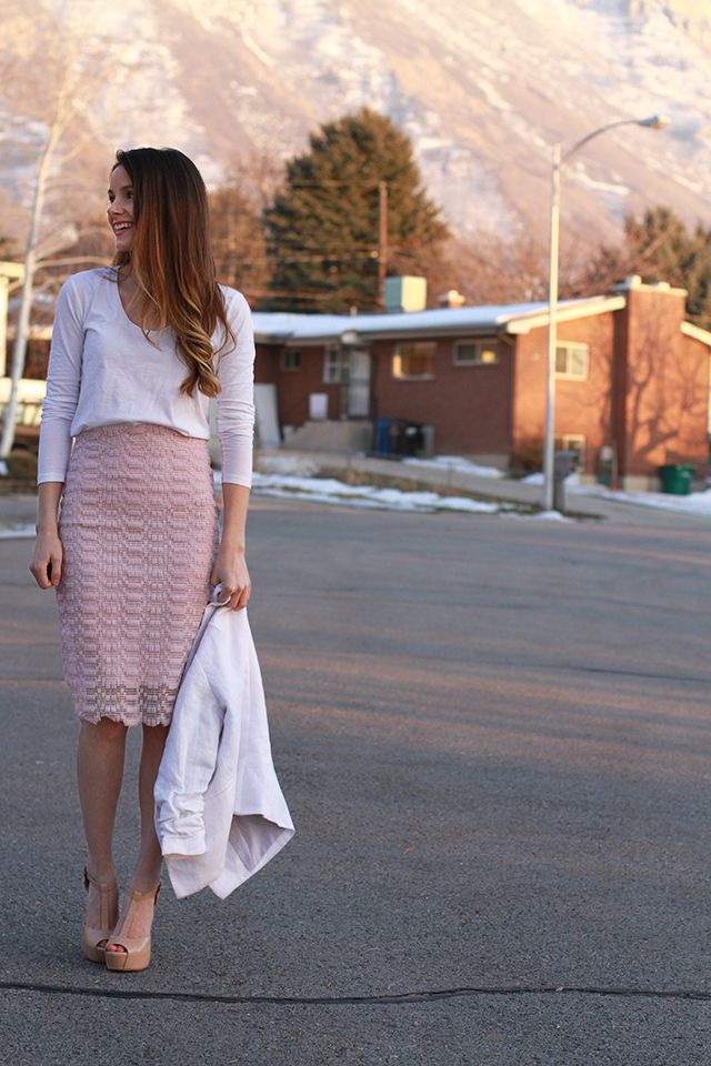 diy-lace-skirt-with-sheer-and-metal-zipper-upcycled-from-curtains
