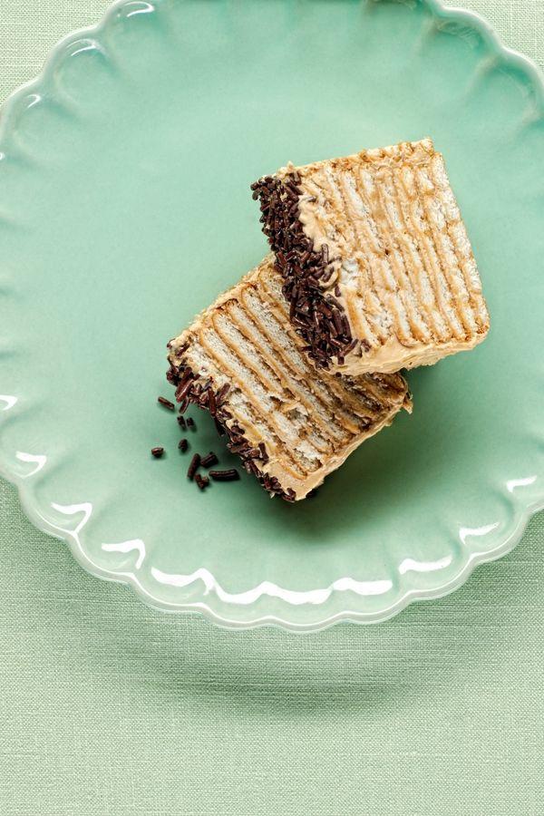 Dizze kook is vuural bekind i Limburg. Boete dees sjtrieëk gieëft 't aoch variante woebie de koffie vervange waert doer anger ingrediënte wie cacao.*