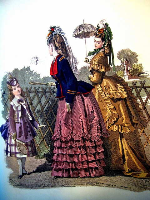 Victorian Fashion// Can this become a thing again. I'd love to dress like this..