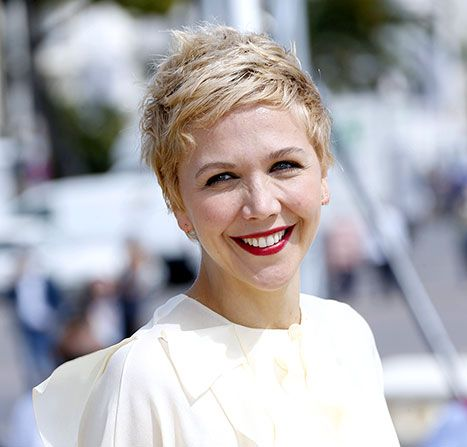 maggie cuts her hair Maggie gyllenhaal  take one legendary film role and add to it an iconic hair cut and you've got natalie portman's post-v for vendetta pixie crop.