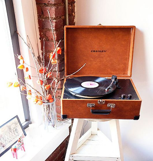 cozy insidePeople Blog, Music Nooks, New Records Players, Colin O'Donoghue, Colin Tunstall, Households Items, Christmas Wish, Vintage Records Players, Nooks Ideas