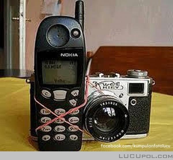Hape kamera generasi pertama