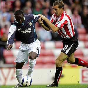 Sunderland 1 Man City 2 in Aug 2005 at the Stadium of Light, Andy Cole comes forward with the ball #Prem