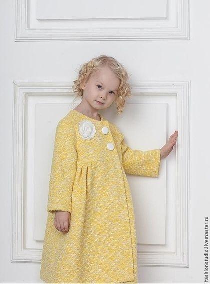 Одежда для девочек, ручной работы. Ярмарка Мастеров - ручная работа Детское пальто (шанель, желтое). Handmade.
