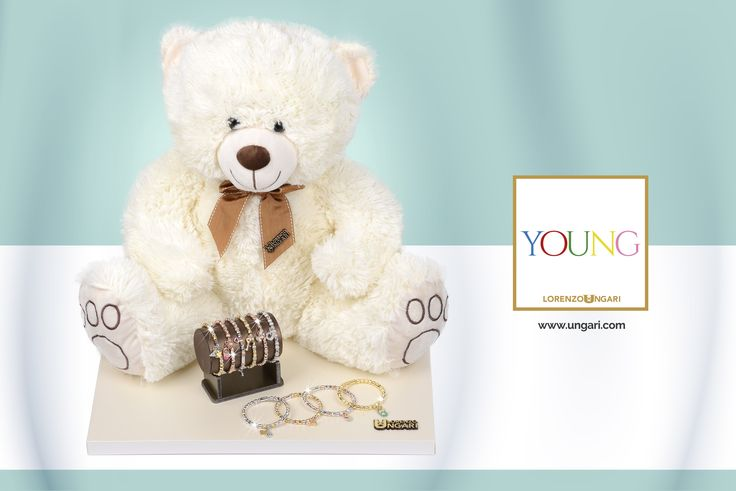 Foto per espositore di gioielli per la linea Young di Lorenzo Ungari
