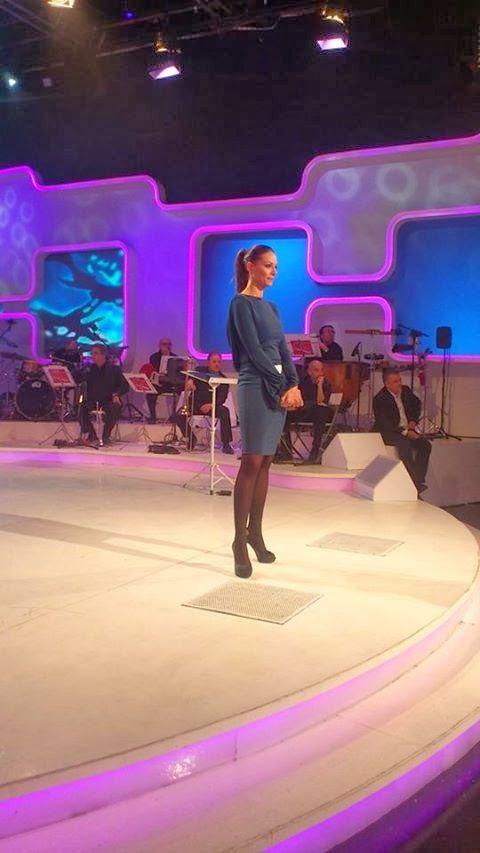 Eva González con vestido de Colour Nude, y zapatos Menbur en Se Llama Copla 7ª temporada, gala 6(2/11/2013)