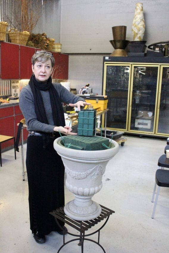 how to make a large scale urn arrangement flowers floral design huge class tutorial diy altar escort card table