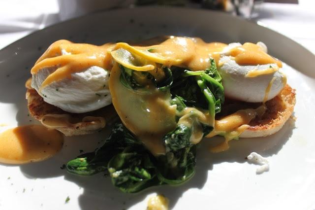 Vegetarian Eggs Benedict from RIzzo's Diner in Memphis via Capturing ...