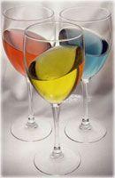 16 cl d' eau 7 cl de liqueur de coco (cocogif, malibu) 4 cl de rhum blanc 2 grammes de gélatine en poudre  colorant alimentaire  • Faites bouillir 3/4 de l'eau et incorporez la gélatine... mélangez et incorporez le quart d'eau restante et le reste des ingrédients avec le colorant alimentaire. Verser dans les verres à vin et laissez durcir 3 heures minimum au frigo en inclinant légèrement les verres. Servir avec une petite cuillère et une paille.