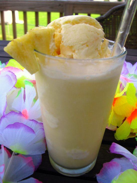 Pineapple float with pineapple orange ice cream