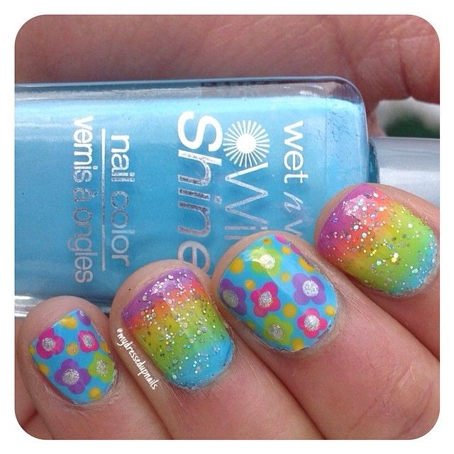 Simple flowers and gradients nail art! by @mydressedupnails #nail #nails…