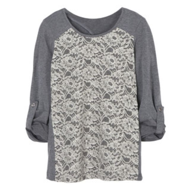 Skies are Blue Zack Raglan Top - I really love the two different materials and the lacey floral center of this top.