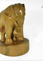 rzeźba drewniana Słonica z młodym