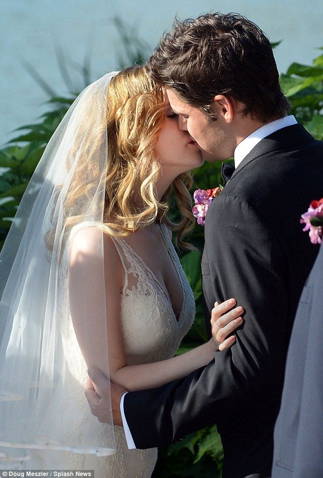 Anna Kendrick and Jeremy Jordan filming wedding scene for The Last 5 Years