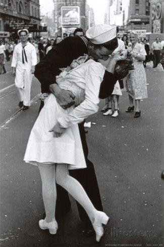 Bacio il giorno della vittoria