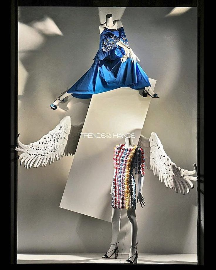 "BERGDORF GOODMAN, New York, ""Those who fly solo have the strongest wings"", pinned by Ton van der Veer"