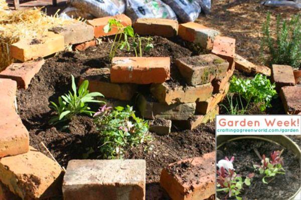 Herb Spiral: Turn old bricks into a sweet vertical planter!