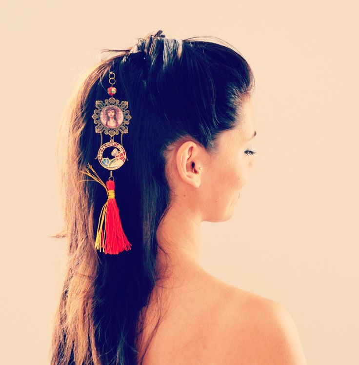 Pic à cheveux japonais à pompon rouge, couleur bronze et perle chinoise.   Accessoires