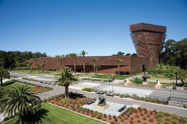 De Young Museum in San Francisco's Golden Gate Park