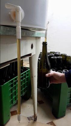 Guida all'imbottigliamento della birra fatta in casa. Come imbottigliare la birra in maniera semplice rispettando l'igiene per evitare infezioni.