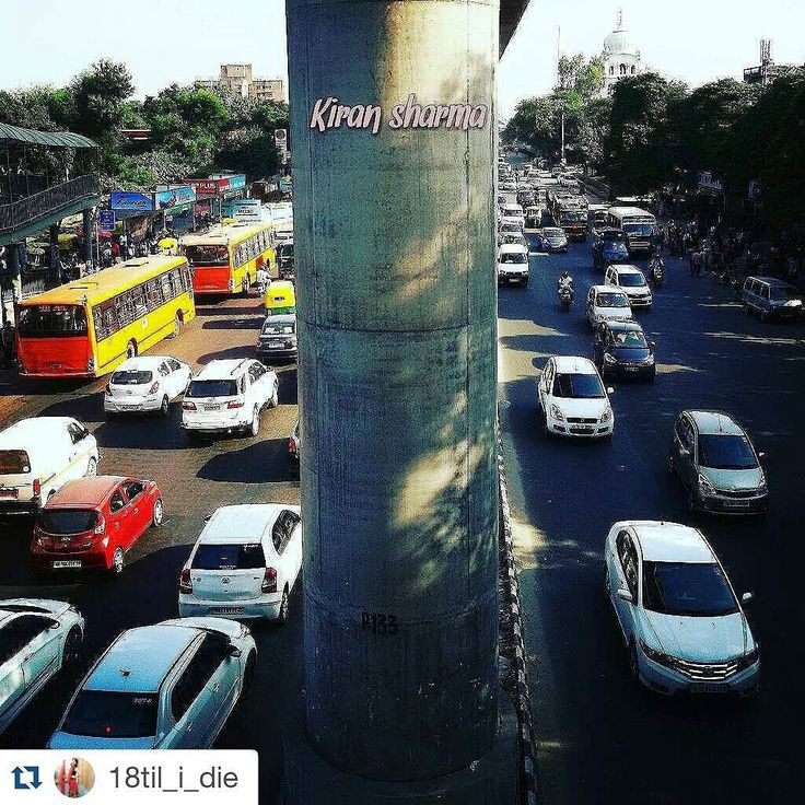 #Repost @18til_i_die with @repostapp Tp get featured tag your post with #talestreet Road full of car and colour ....Rush hour !! #rushhour#roadshow#roadside#ig_worldclub#storiesofindia#_soi#india_gram#ig_India#indiaclicks#ig_indiaclicks#sodelhi#delhiwale#delhigram#delhi_igers#delhi_igers_citywalk#delhidiaries#delhi#photograph#talestreet#igers#igdaily#travel#traveldiaries#view#click#photo#instacapture