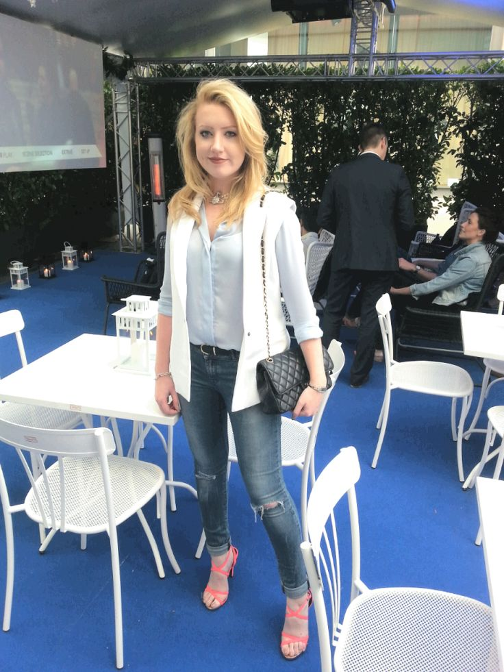 Wearing Karl Lagerfeld tux jacket with ripped jeans for Harvey Nichols and Peroni Cinema Al Fresco in Manchester on thescientificbeauty.com