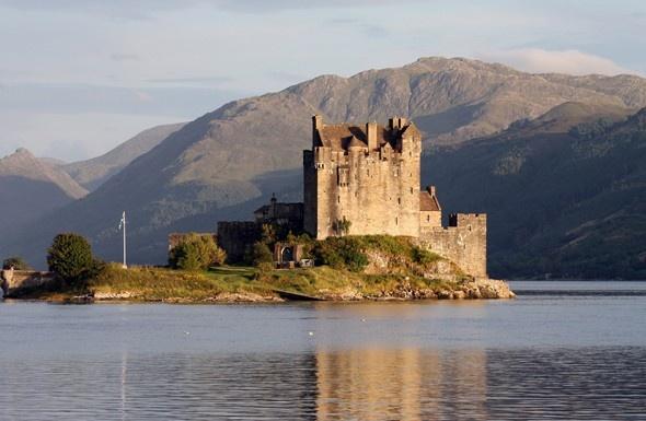 Scotland: Scottish Highlanders, Eileen Donan, Favorite Places, De Eilean, Eilean Donan Castles, Eileandonan, Castle, Castles Scotland, Scottish Castles