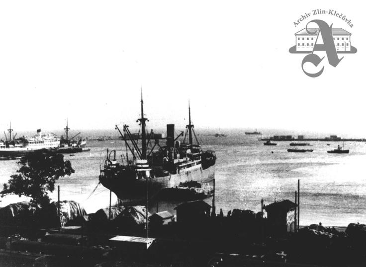 Baťa ship Morava, purchased in 1932, anchored in Algiers