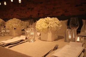 Hydrangeas in white. Simple and elegant