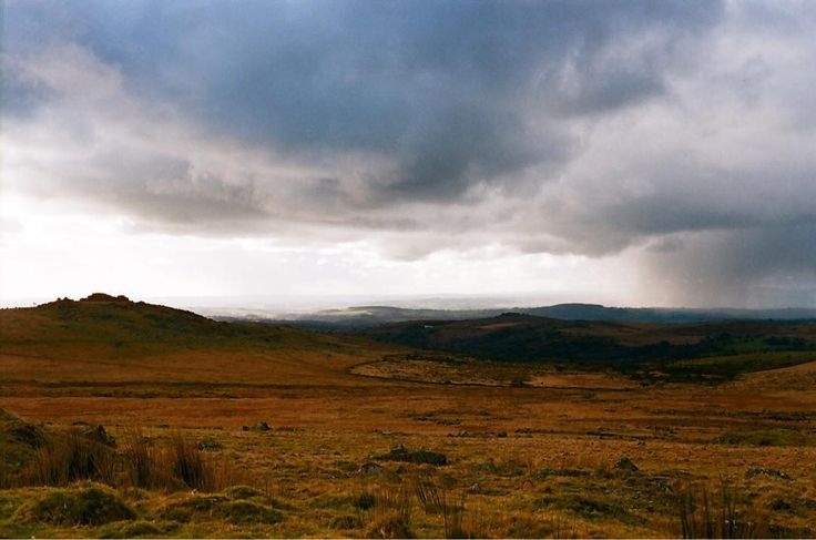 The moors you can see why it captures the heart of any artist that passes through... author singer painter photographer. It's so wild and beautiful.     #nofilter #nofilterneeded #clouds #cloudscape #landscapephotography #landscape #filmcommunity#35mmers #35mmfilm #lovefilm#analogphotography #analogvibes#analogfilm #olympus #dartmoor #hail #instalike #wild #silly #devon #wellies #outdoors #liveauthentic